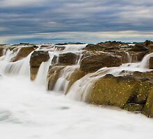 Filling up the rock pools by MCphotos
