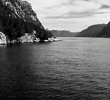 Sailing Through Norway by Teelahmel