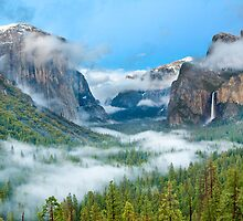 Tunnel View - Yosemite National Park by daphoto