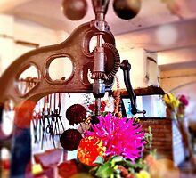 Tools and flowers by Distincty Design