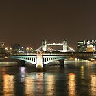 Down the Thames to Tower Bridge - London by oindypoind
