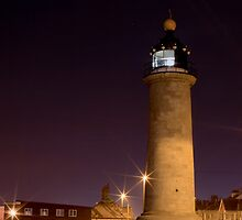 Shoreham Harbour Lighthouse at Night by oindypoind
