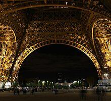 Paris by night: Eiffel tower (1) by Goca