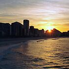 Sunrising at Ipanema by arteparada