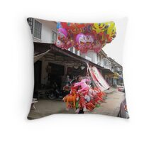 Baloon lady Throw Pillow