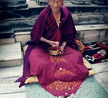 Monk in Bodh Gaya by dcphotos