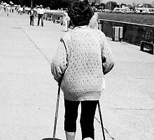 Spry old lady - Gdynia boulevard by Silje Schanche