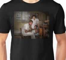 Doctor - Pediatrician - From the heart 1942 Unisex T-Shirt