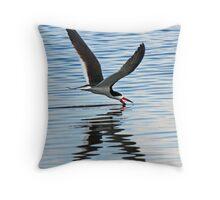 Skimmer  skimming(x) Throw Pillow