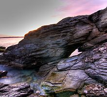 Beavertail Rock Formation by 02809photo