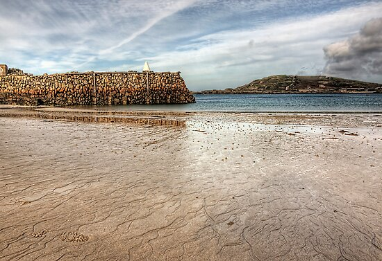 Douglas Quay Alderney - Another view by NeilAlderney