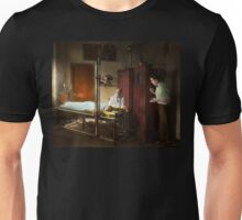 Doctor - X-Ray - In the doctors care 1920 Unisex T-Shirt