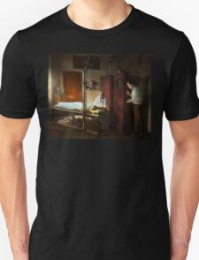 Doctor - X-Ray - In the doctors care 1920 T-Shirt