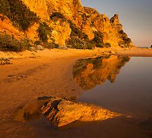 Golden Cliff - Aireys Inlet by Hans Kawitzki