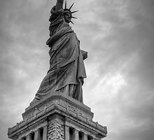Liberty in b&w by Andrea Rapisarda
