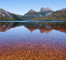 Dove Lake at Cradle Mountain - Lake St Clair National Park by David Maslin