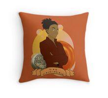 Doctor Who: The girl who walked the Earth - Martha Jones Throw Pillow
