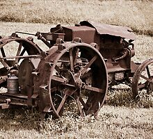 Retired Antique Tractor - Case Size C by Zunazet