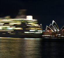 Sydney Opera House Performs by normanorly