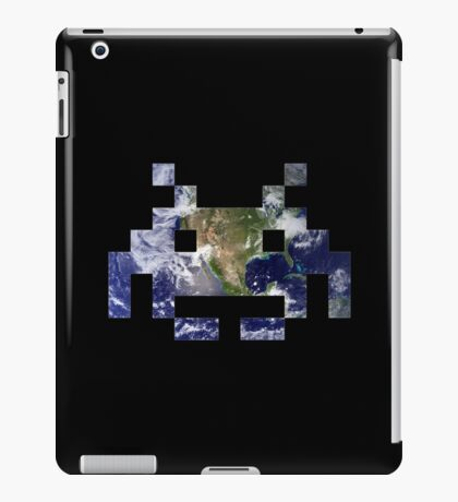 Space Invader Earth iPad Case/Skin