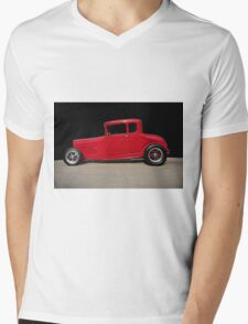 1928 Ford 'Little Red' Coupe IIA Mens V-Neck T-Shirt
