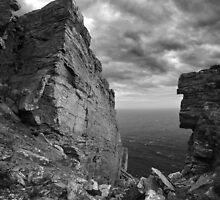 Fractured rocks at the The Chasms - photography by Paul Davenport