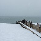 Snow on the beach by lutontown