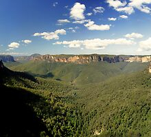 Govett's Leap, Blue Mountains, NSW.  by Andy Newman
