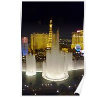The Bellagio fountains at night, Las Vegas Poster