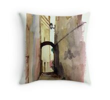 Un callejón en Genova Throw Pillow