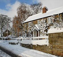 Derbyshire Cottage in the snow by northbike