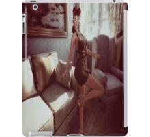 Retro queen of the manor iPad Case/Skin