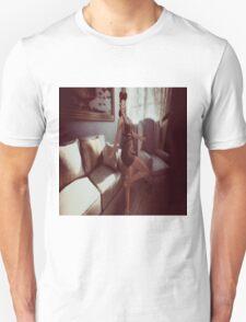 Retro queen of the manor Unisex T-Shirt