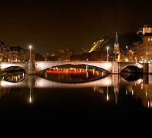 Pont Maréchal Juin at night, Lyon, France by Andrew Jones