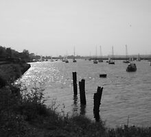 The River Crouch by Vicki Spindler by Vicki Spindler (VHS Photography)