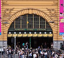 Flinders Street Station - Front Entrance by eegibson