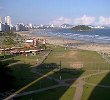 Sombras na Praia!!! by Gilberto Grecco