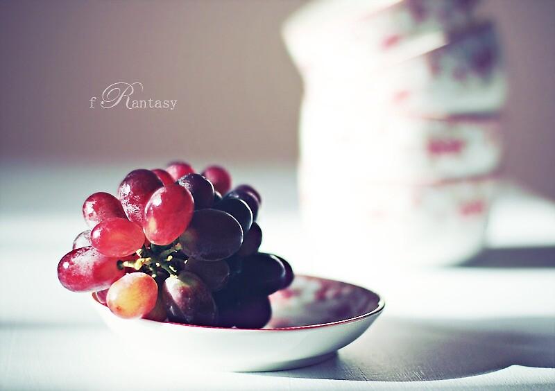 Grapes by fRantasy
