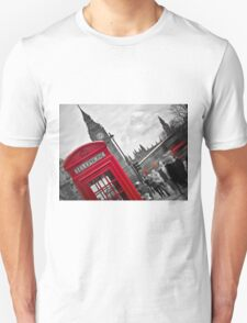 Telephone Booth in London T-Shirt