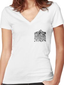 The Giants Causeway, Ireland. Ink Illustration Women's Fitted V-Neck T-Shirt