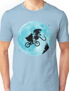 E.T. vs Aliens Unisex T-Shirt