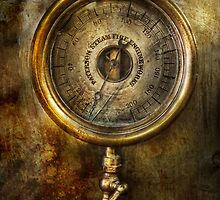 Steampunk - The pressure gauge by Mike  Savad
