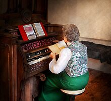 Organist - The lord is my shepherd  by Mike  Savad