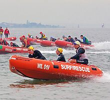 Close IRB racing at South Melbourne by Andy Berry