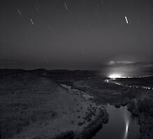falling stars monotone by Les Pink