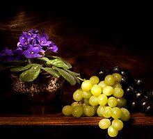 Violet and Grapes still life by Ondřej Smolka