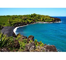 Waianapanapa Beach in Maui, HAWAII Photographic Print
