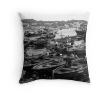 bee and double u Throw Pillow