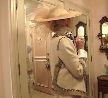 An elegant woman, a patron of fashion by MarianBendeth