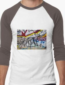 Abstract Graffiti Wall Art Photography - Gracias Men's Baseball ¾ T-Shirt